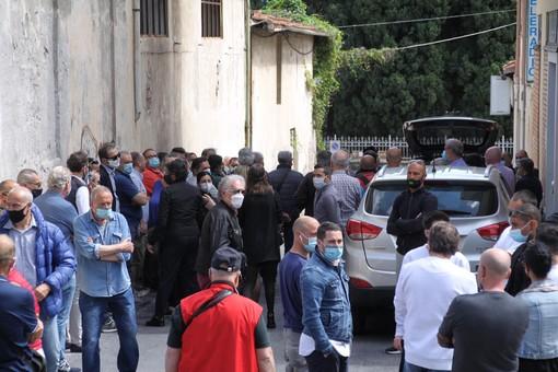 Sanremo: alla chiesa di San Rocco l'ultimo saluto ad Angelo Moroni, figura storica del calcio locale (Foto)