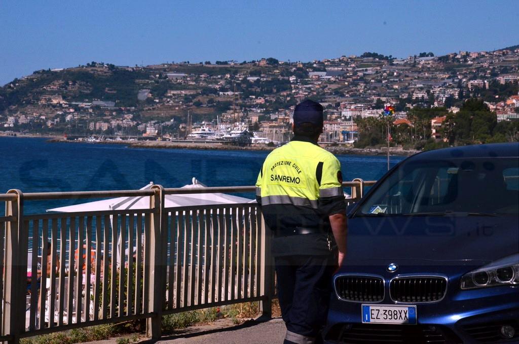 Sanremo: in attesa di decisioni definitive oggi volontari Aib e Rangers presidiano strada Tre Ponti (Foto)