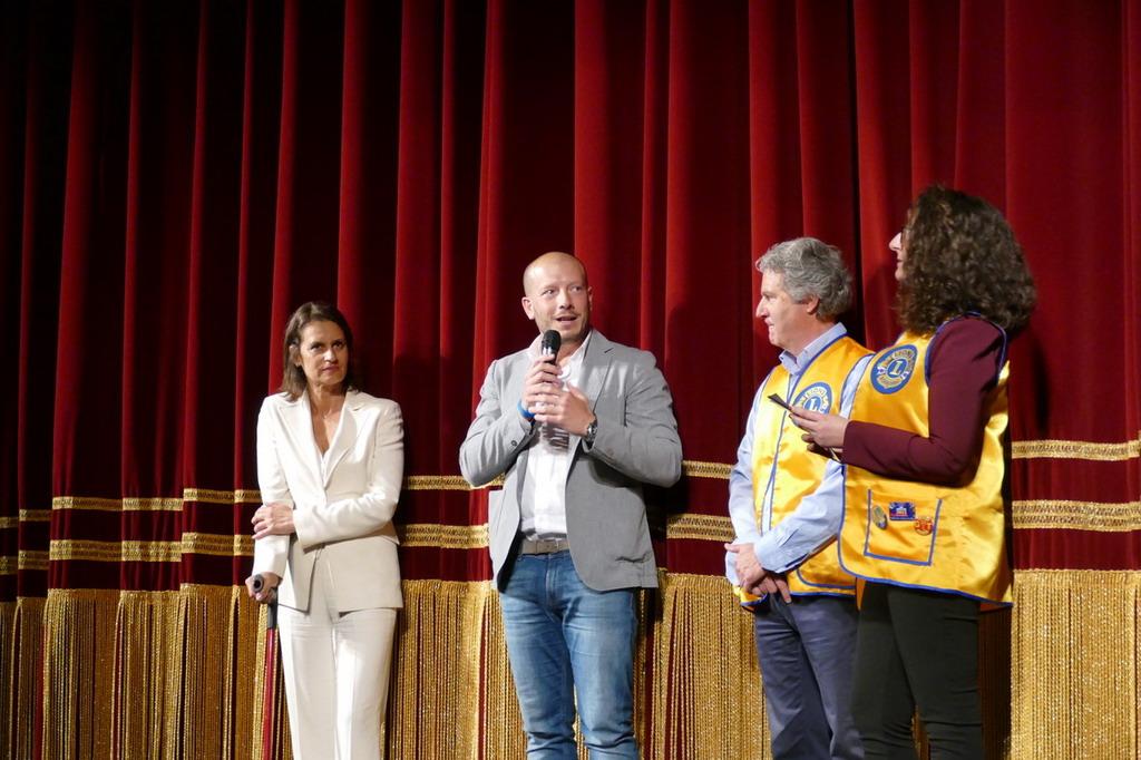 Ventimiglia: grande successo domenica scorsa al Teatro Comunale per 'Ballando per la vita' (Foto)