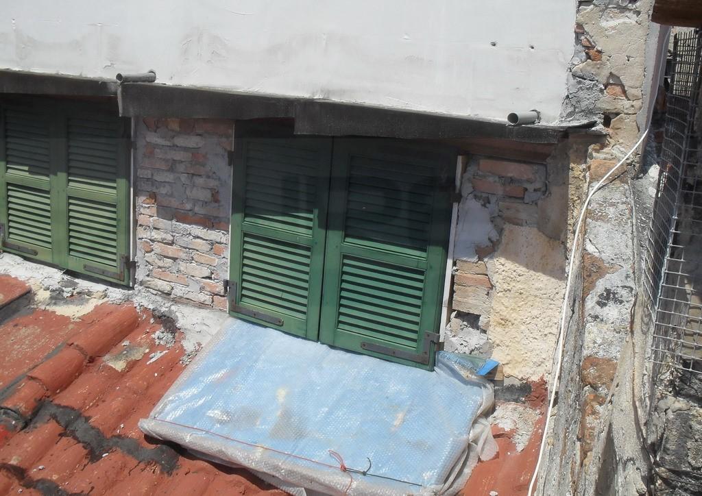 Sanremo: abusi edilizi dal 2001 in via Romolo Moreno nella Pigna, il Comune ordina la demolizione