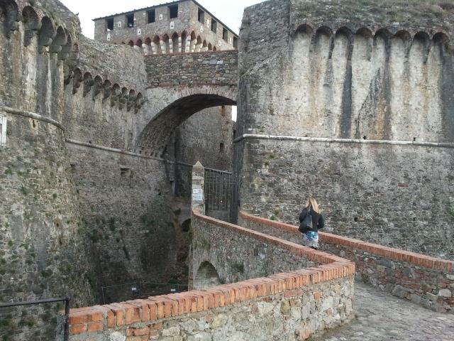 La liguria dei castelli e bei borghi debutto a sarzana for Borghi liguria ponente