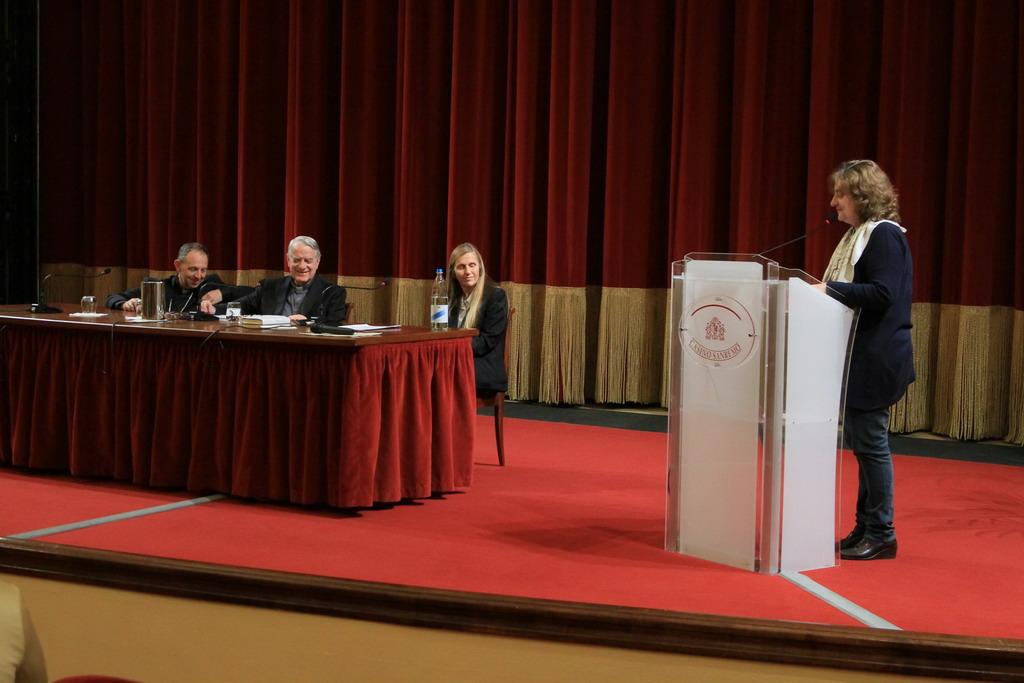 Sanremo: raffica di domande ieri pomeriggio per Padre Federico Lombardi ai 'Martedì Letterari'