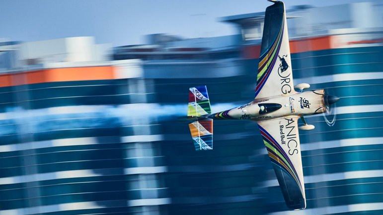 Red Bull Air Race sbarca in Francia! A Cannes grande festa
