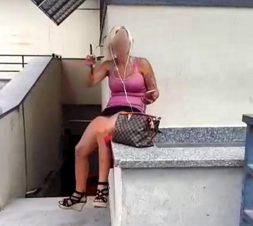 L'esibizionista dei camionisti che vive a Ventimiglia infrange il Daspo nel savonese: sorpresa di nuovo a Zinola