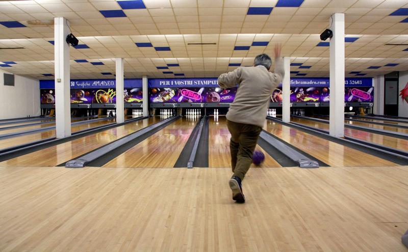 Dal 3 febbraio sulle piste del bowling di diano castello torna il team champi - Dimension piste bowling ...