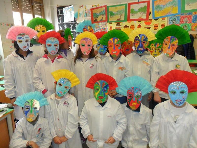 Sanremo maschere allegre e divertenti per il carnevale for Cartelloni di carnevale scuola primaria