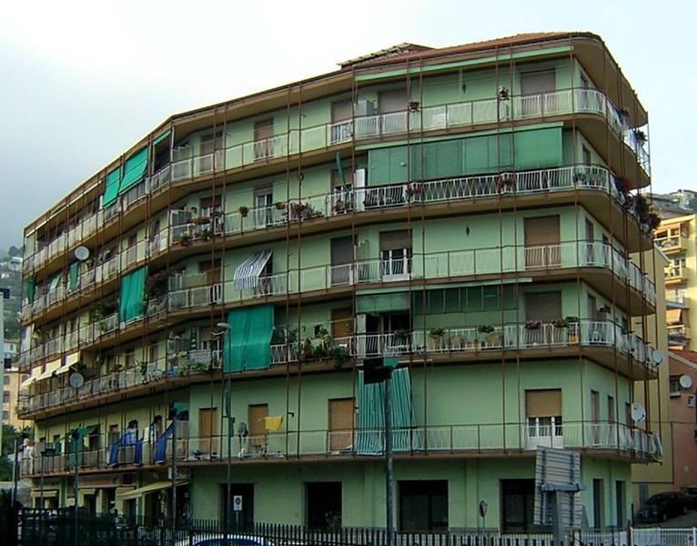 Condominio la nuova normativa contro i rumori molesti dei for Rumori condominio