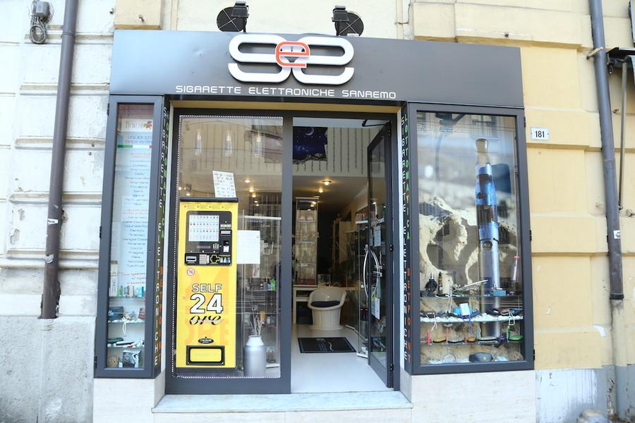 Per natale dal negozio sigarette elettroniche sanremo for Idee per aprire un negozio originale