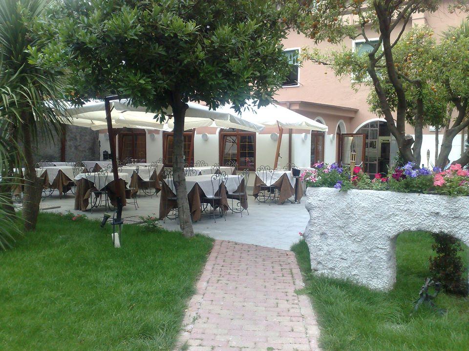 A finale un ristorante da sogno for Piccoli giardini da sogno