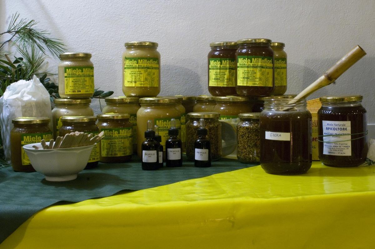 Ospedaletti: giovedì 30 marzo alla 'Piccola' una degustazione di miele sul tema 'Amaro come il miele'