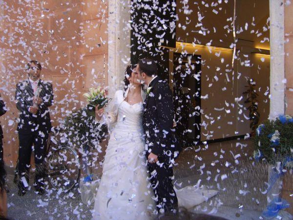 Dopo le nozze potrete scegliere tra il lancio del riso b431a2c5b54