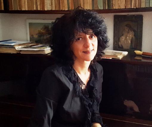 """Triora: ad una settimana dal Festival del libro, la filosofa Maria Giovanna Farina ci racconta """"il suo De Andrè"""""""