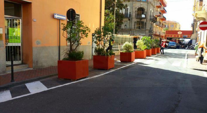 Fioriere Per Fiori ~ Ventimiglia installate alcune fioriere davanti alle scuole