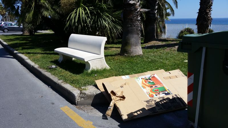 Panchina Lungomare : Sanremo: ununica panchina sul lungo mare italo calvino la