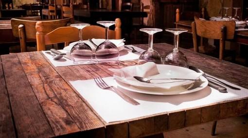 """Riapertura dei ristoranti anche la sera, Coldiretti: """"Questa possibilità vale l'80% del fatturato"""""""