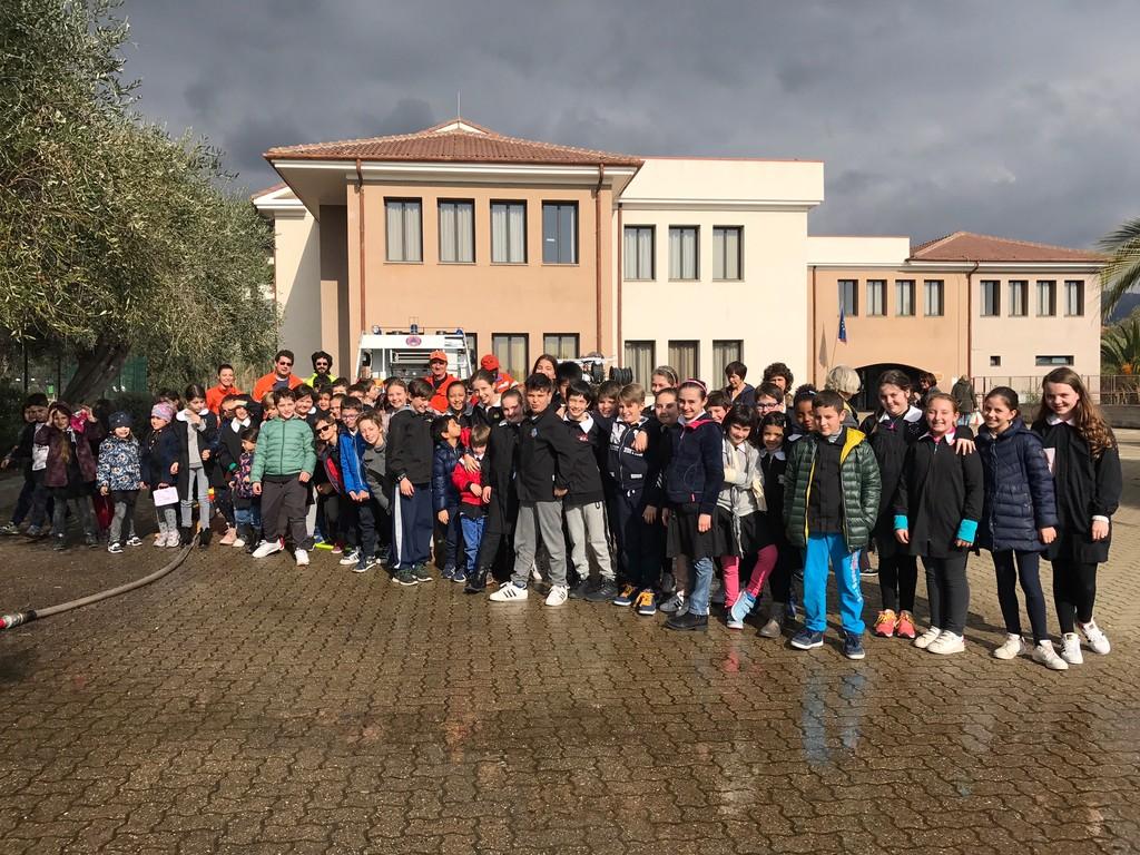 San Bartolomeo al Mare: incontro produttivo tra gli alunni della scuola primaria Filipponi e la Protezione Civile