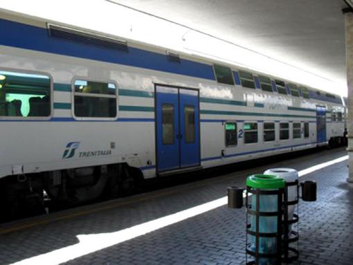 Rissa sul treno regionale: circolazione ferma per circa 30 minuti, fuggiti i tre ragazzi protagonisti della zuffa