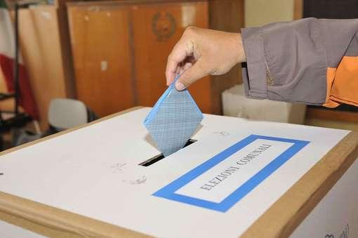 Elezioni a Sanremo: continuano i sondaggi ma chi chiama continua a non segnalare chi li commissiona