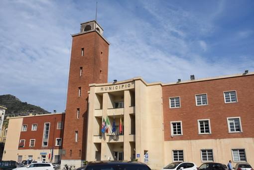 Ventimiglia: bivacchi al mercato coperto, la replica della Giunta Scullino al PD e a gruppi di minoranza