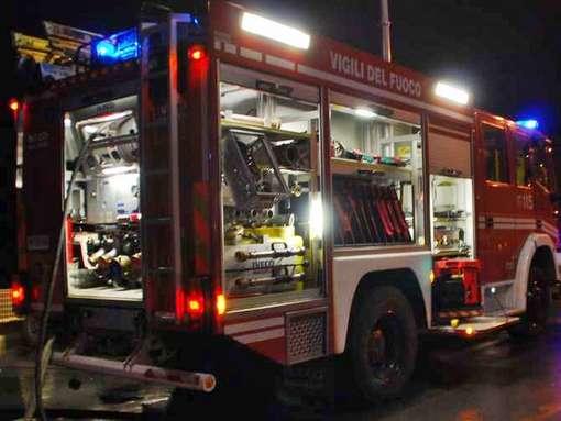Ventimiglia: gli si scarica la bici elettrica, 58enne soccorso dai vigili del fuoco in località Mortola