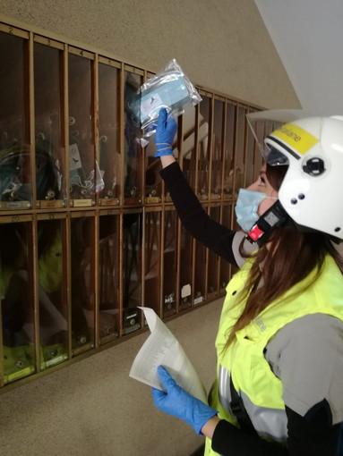 Coronavirus, al via da questa mattina la consegna gratuita delle prime mascherine nelle case delle famiglie liguri