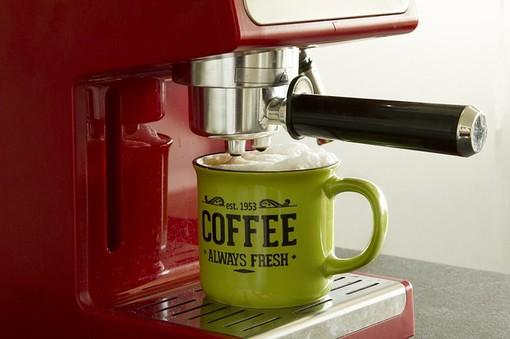Come Funziona la Decalcificazione per le macchine da caffè, prodotti e consigli