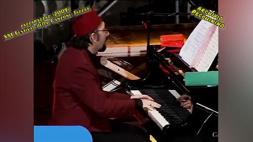 """Alla scoperta dei video di Roberto Pecchinino: a Villa Ormond """"Zazzarazzaz XXI° Festival della Canzone Jazzata"""" (2009)"""