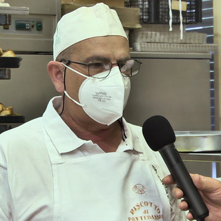 Il Biscotto di Pontedassio, prodotto tipico di un laboratorio artigianale, che da oltre 30 anni conserva la ricetta originale di questo famoso dolce.