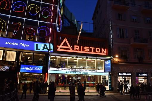 """Festival di Sanremo 2021, Toti: """"Vogliamo vedere il palco dell'Ariston aperto, ma è prematuro avere i dettagli sull'organizzazione"""" (Video)"""