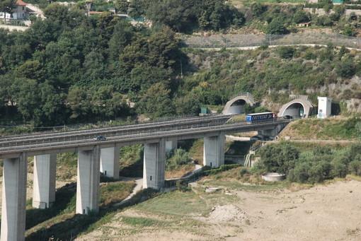 Un geometra dell'Autofiori investito questa mattina sulla A10 nella zona di Andora: tre feriti in totale per fortuna non gravi