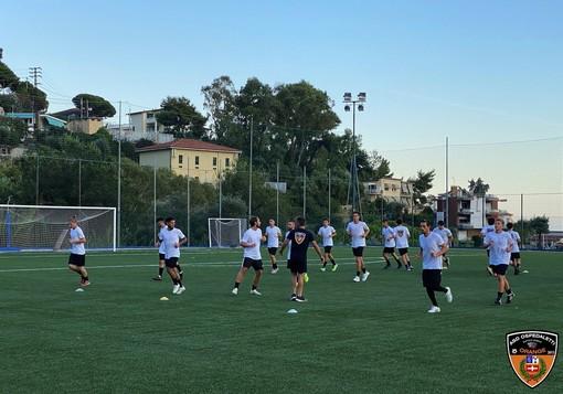 Calcio, Eccellenza. Domani l'Ospedaletti torna in campo dopo la pausa forzata, c'è il derby contro il Taggia