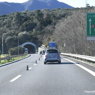 Autostrade impercorribili e treni insufficienti, consumatori scendono in campo per salvare il turismo in regione