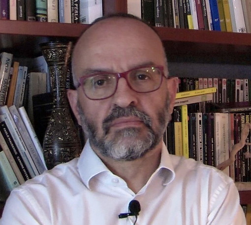 San Lorenzo al Mare: domani sera per 'Due parole in riva al mare' il reading con Alessandro Perissinotto