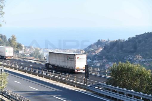 Limiti di velocità in autostrada: l'opinione del nostro lettore Carlo