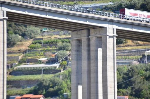 Mentre si sta ricostruendo il ponte sul Polcevera: dopo il report, l'Aspi chiude corsie di quattro viadotti