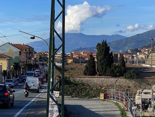 L'area delle FS parallela a corso Genova dove potrebbe essere progettata la pista ciclabile