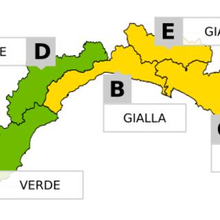 Prolungata l'allerta meteo 'gialla' sul centro-levante della Regione, a Ponente torna la 'verde'