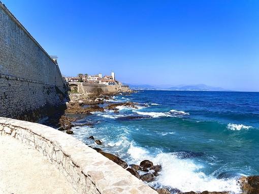 L'emergenza Coronavirus dalla Costa Azzurra: Antibes si attrezza ad aprire le spiagge il 1° giugno