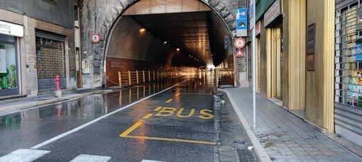 Sanremo: probabile rottura di una tubazione, da questa mattina parzialmente allagata la galleria Francia (Foto e Video)