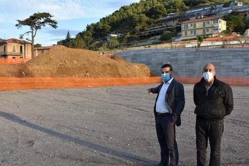 Vallecrosia: parcheggio dietro la scuola 'A. Doria', la replica del Sindaco Biasi al consigliere di minoranza Perri