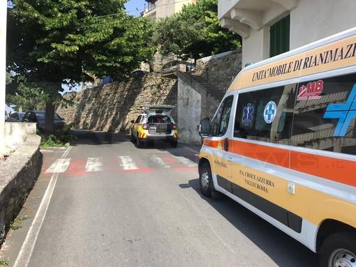 Perinaldo: 34enne si ferisce ad una gamba con il flessibile, trasportato all'ospedale di Bordighera