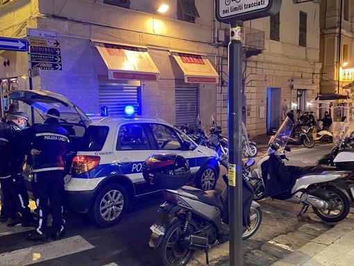 L'intervento delle forze dell'ordine in via Gioberti