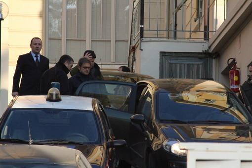 Arrestati questa mattina all'alba dai Carabinieri il cancelliere del tribunale di Sanremo, Massimo Capurro, e l'avvocato Antonio De Felice