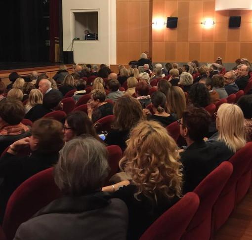 Ventimiglia: con lo spettacolo di Laura Morante è scattata questa sera la stagione teatrale ventimigliese