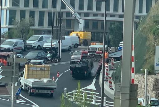 Dal Principato di Monaco: auto si capotta all'uscita di Beausoleil, traffico bloccato all'uscita della Escota