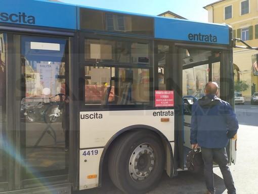 """Imperia: bus affollati, l'appello di due nostre lettrici all'Rt: """"Più controlli per la sicurezza di tutti i passeggeri"""""""