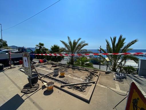 I lavori per l'area ecologica sul lungomare Vittorio Emanuele
