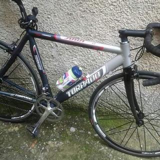 Taggia: gli rubano la bici da corsa nel carruggio vico Banchero, la rabbia di un nostro lettore (Foto)