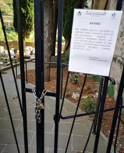"""Dolceacqua: l'opposizione tuona contro l'Amministrazione """"Al cimitero troppe barriere architettoniche"""" (Foto)"""