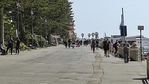 Bordighera: atti vandalici notturni, la preoccupazione dei commercianti sul lungomare per agosto